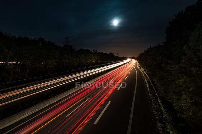 Vollmond über Autobahn — Stockfoto