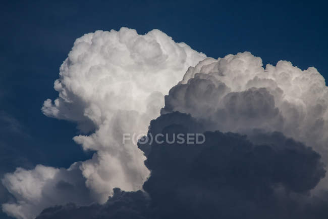 Cloudscape with huge stormy clouds — Stock Photo