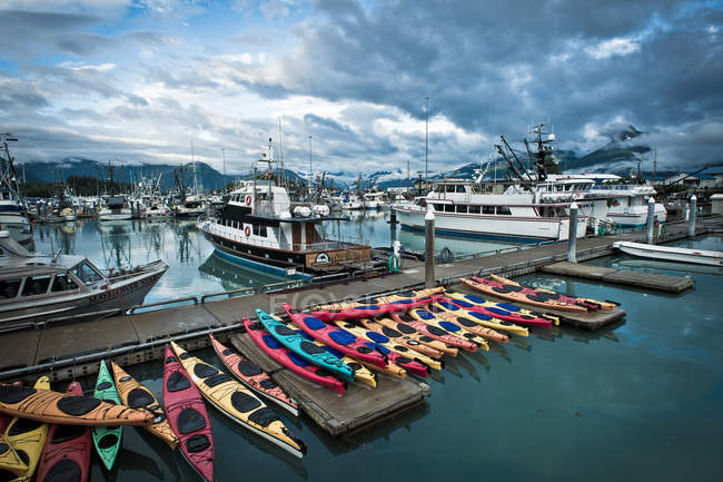 Yacht harbor and Kayak boats in Valdez, Alaska — Stock Photo