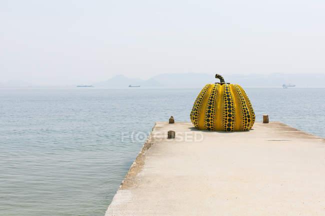Kürbis die Bauarbeiten am Pier über sescape — Stockfoto