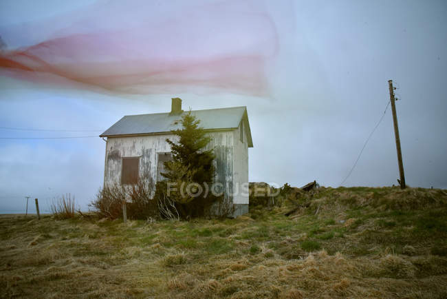 Small wooden hut in Iceland — Stock Photo
