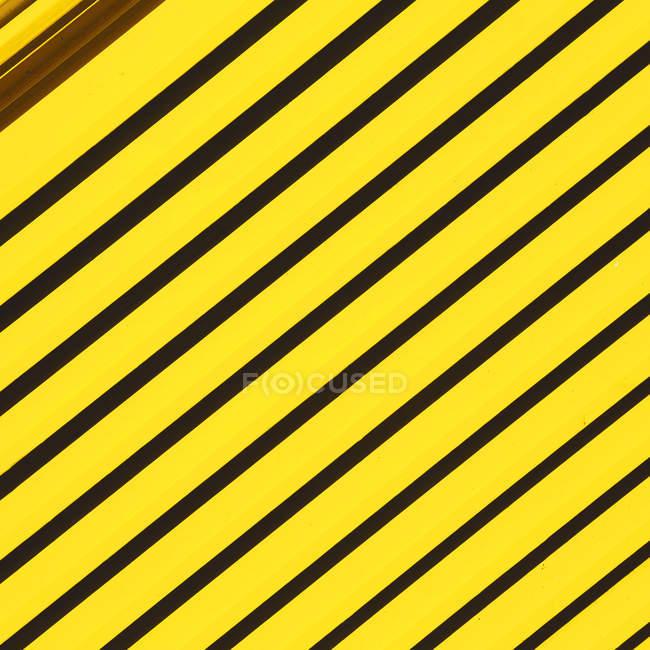 Абстрактный фон текстурированной с полосатым узором — стоковое фото