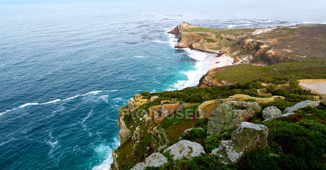Seascape with mountain costline — Stock Photo