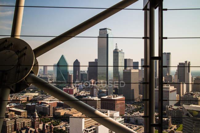 Paesaggio urbano di Dallas dall'alto con alti aumenti e tetti, Texas, Usa — Foto stock