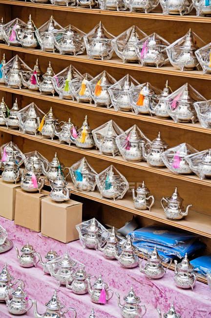 Arabic tea pots vendor stand — Stock Photo