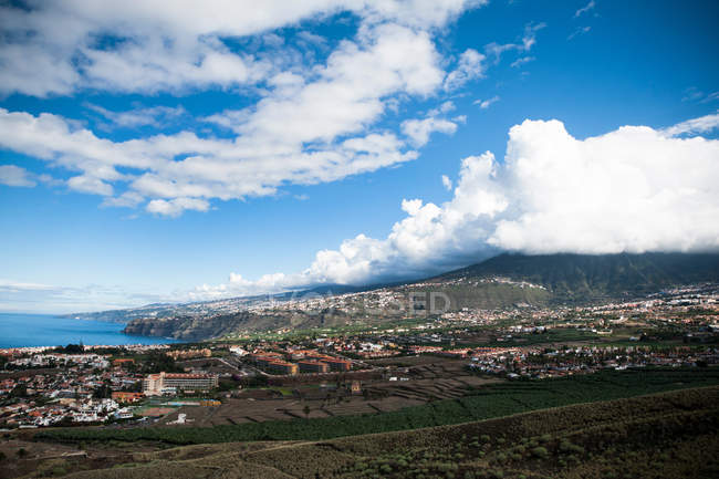 Seascape with coastal town aerial view — Stock Photo