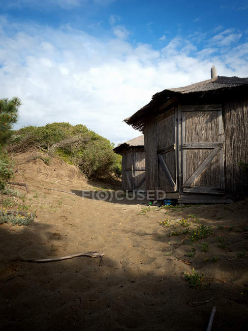 Arquitetura da vila, cabanas de madeira — Fotografia de Stock