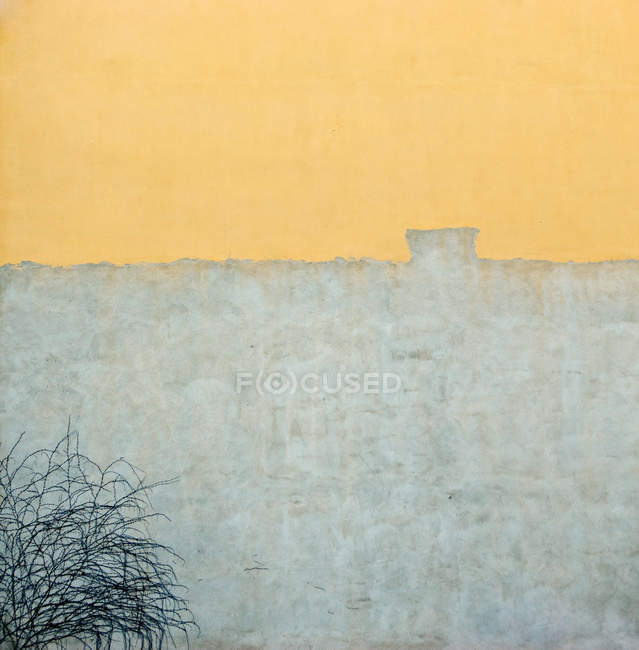 Yellow grey concrete wall — Stock Photo