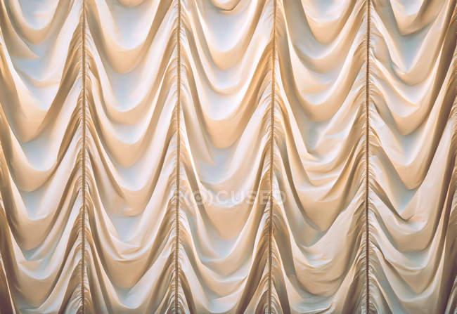 Vista de primer plano de cortina curveada - foto de stock