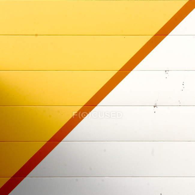 Желтая белая стена структуры — стоковое фото