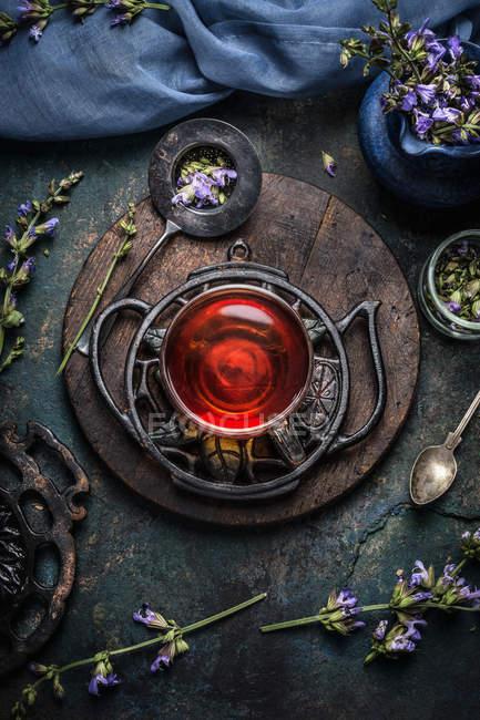 Чашка чаю з травами — стокове фото