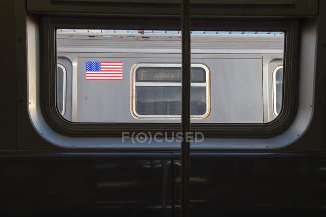 Вид на вагон з американським прапором — стокове фото