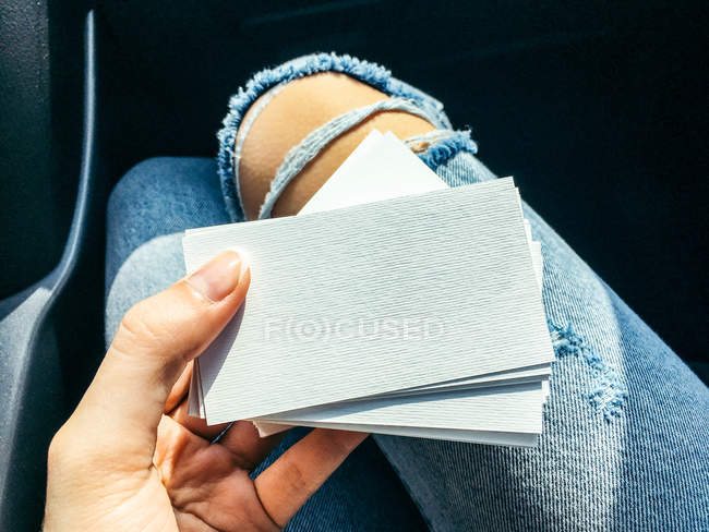 Woman Blank Business Cards — Stock Photo