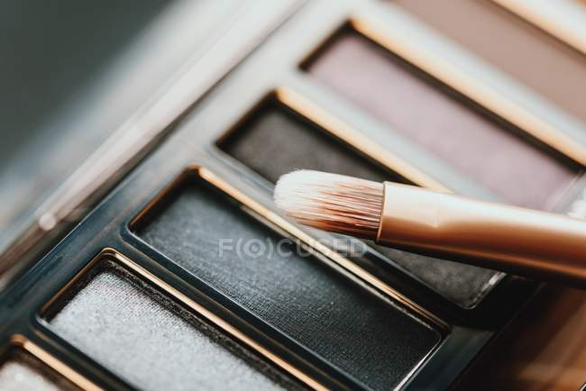 Eye Shadow Color Palette and brush — Stock Photo