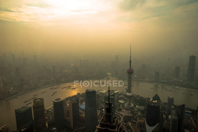 Scenic cityscape of Shanghai city with modern architecture, China — Stock Photo