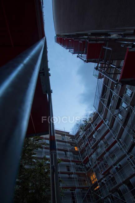 Внешний вид здания с строительной площадки — стоковое фото