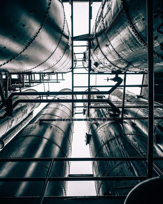 Umweltverschmutzung Konzept, Untersicht von Industrieanlagen — Stockfoto
