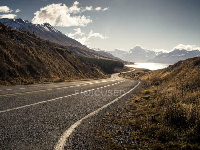 Vue du chemin de la colline — Photo de stock