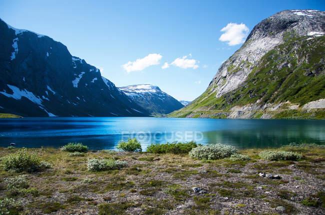 Поверхні рівня подання lakeside з гори — стокове фото