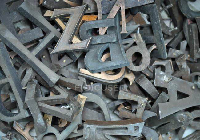 Recycling scrap metal garbage — Stock Photo