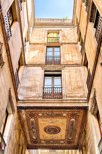 Old building facade, Barcelona, Catalonia — стокове фото