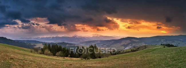 April storm and sunset. — Stock Photo