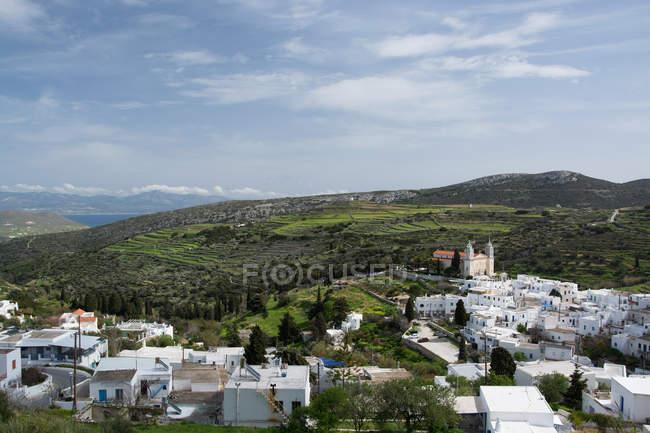 Blick auf die Stadt am Berg Hügel — Stockfoto