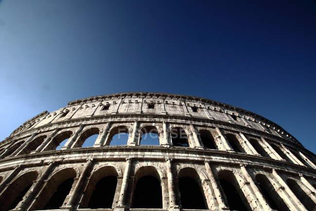 Колізей руїни в Римі — стокове фото