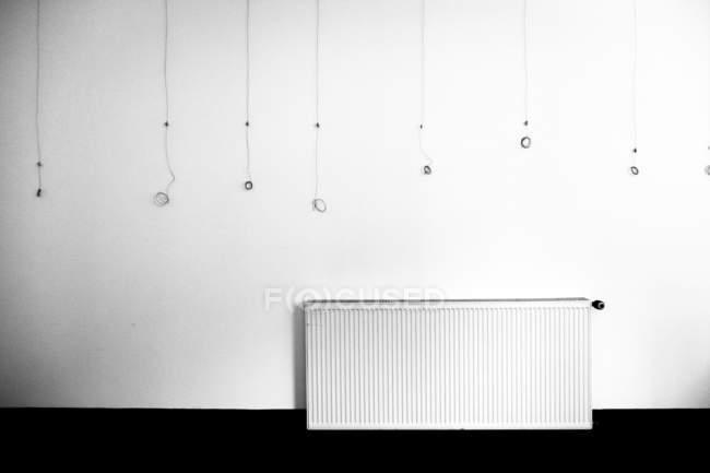 Parede cinza minimalista e interior um tiro — Fotografia de Stock