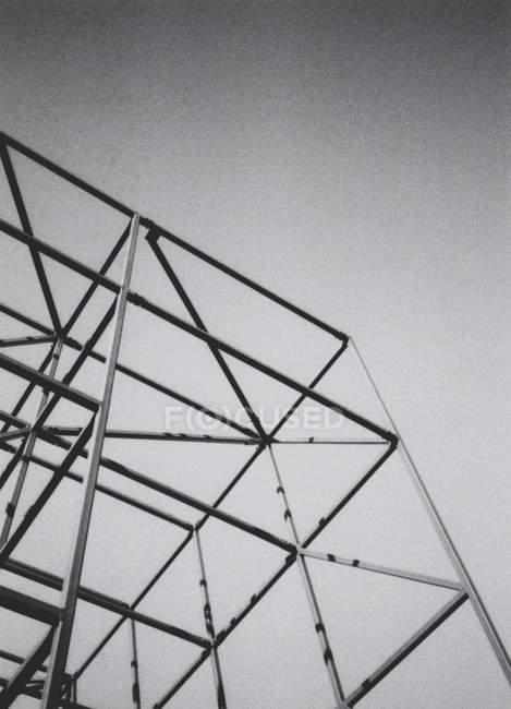 Structure fer géométrique de l'architecture, chantier de construction — Photo de stock