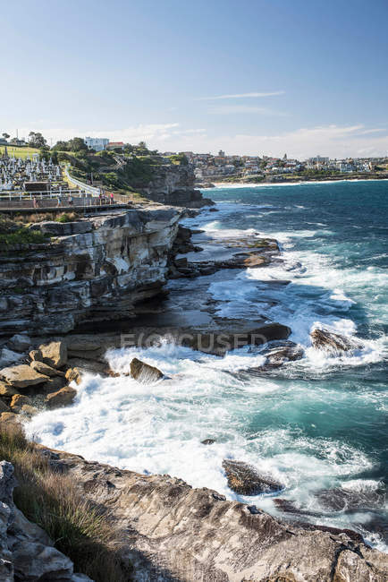 Seascape with rocky coastline view — Stock Photo
