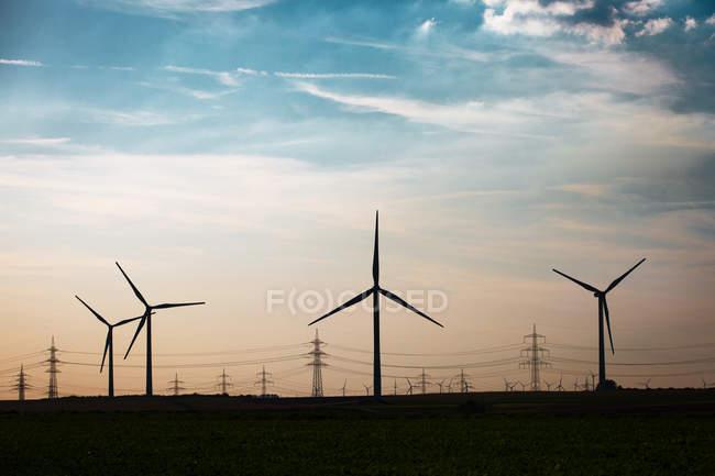 Ветряные фермы генерации энергии — стоковое фото