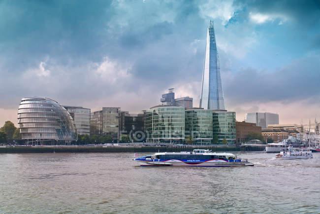 Великобританія, London city і глобальний фінансовий центр — стокове фото
