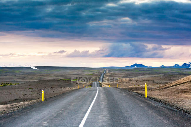 Landscape of Iceland with motorway — Stock Photo