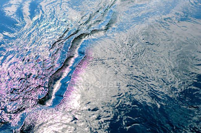 Закри вид абстрактного водній поверхні — стокове фото