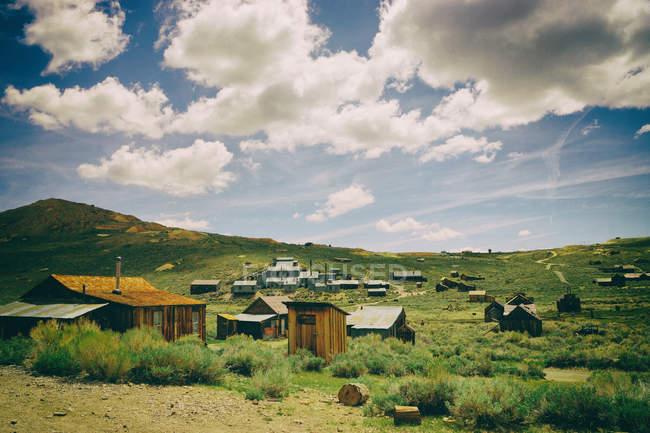 Cabanes en bois anciennes — Photo de stock