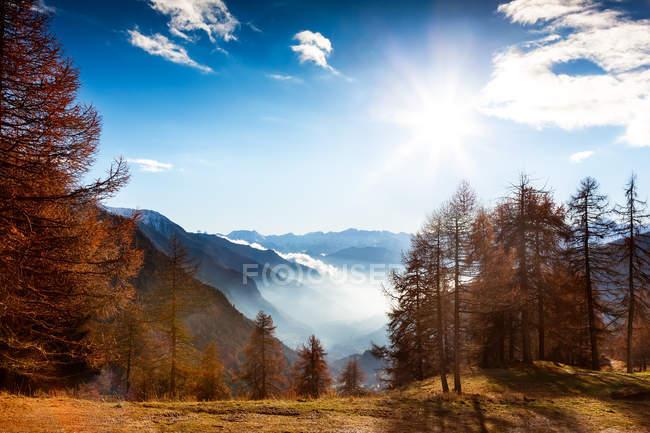 Paisagem de montanha no outono — Fotografia de Stock