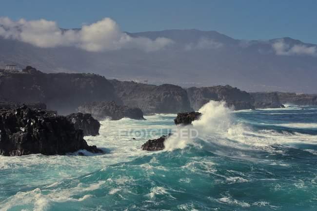 Beautiful seascape view and skyline — Stock Photo