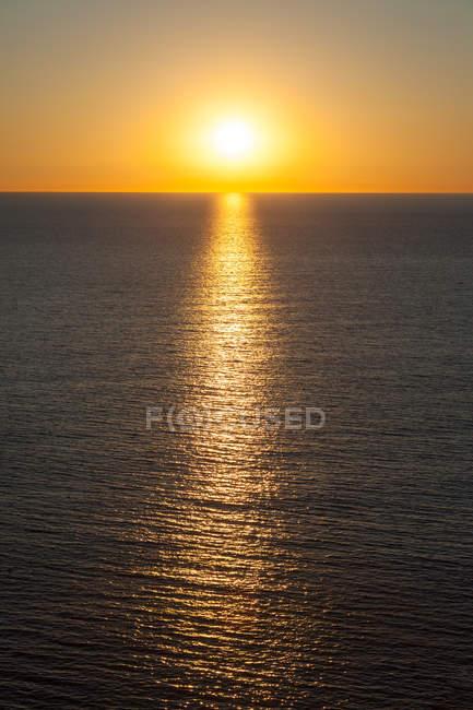 Закат над Средиземным морем — стоковое фото