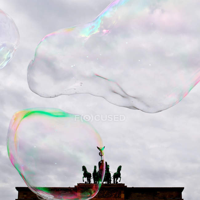 Статуя Brandeburg в ворота з Мильна бульбашка — стокове фото