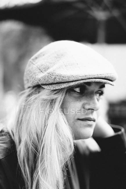 Blonde woman wearing hat — Stock Photo