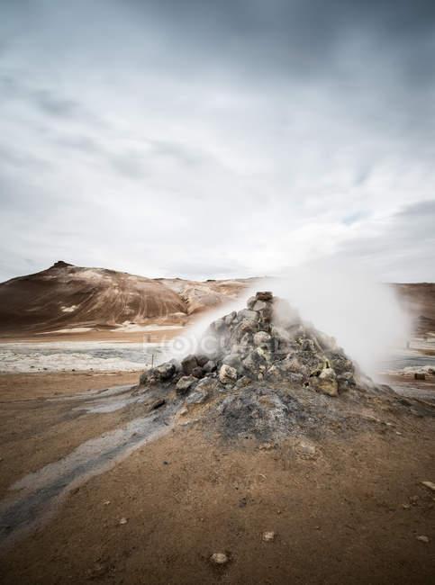 Натуральных живописной скальное образование в Исландии — стоковое фото