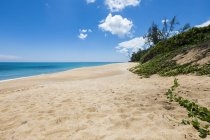 Мальовничий вид на пляжі в Таїланді — стокове фото
