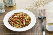 Cinese tofu fritto con verdure — Foto stock