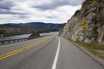 View of highway road through mountains — Stock Photo