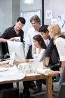 Team von Architekten, die im Büro arbeiten — Stockfoto