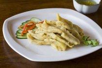 Web di anatra cinese tradizionale con senape piatto — Foto stock