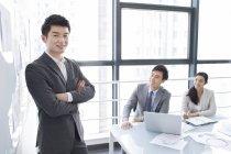 Китайський ділових людей, які мають зустрічі — стокове фото