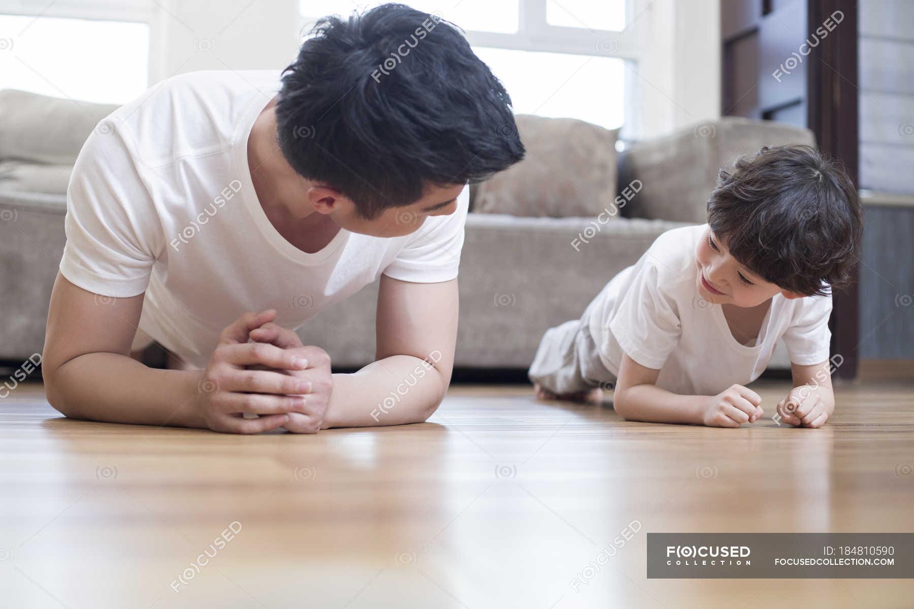 Японская мама учит сына, Японская мама учит - видео likes Hi-Hit 14 фотография