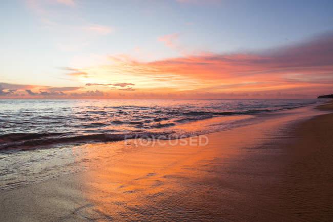 Sunrise over sea in Thailand — Stock Photo